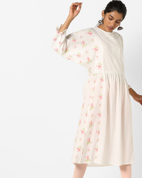 Floral Print Kurta With Quilted Yoke By AJIO ( White )