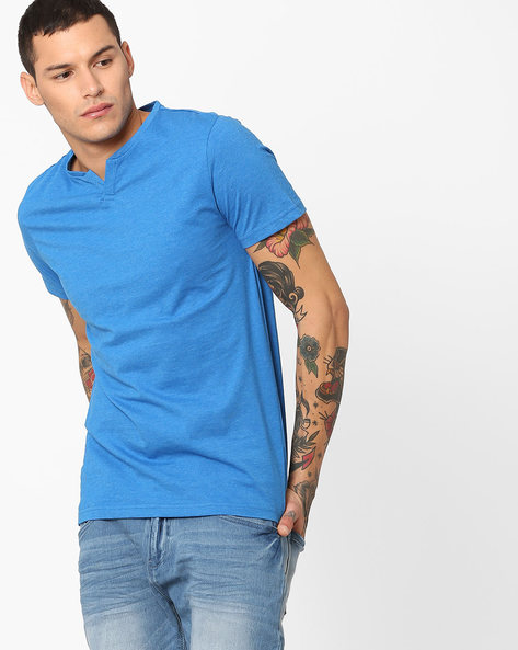 Panelled Cotton T-shirt With Vented Neck By AJIO ( Blue )