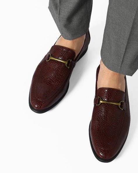 Faux-Leather N9-Treated Slip-On Shoes By AJIO ( Burgundy )