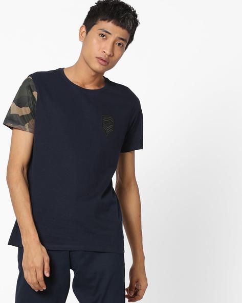Crew-Neck T-shirt With Camouflage Print Sleeve By AJIO ( Darkblue )
