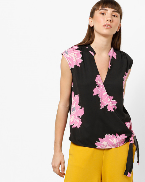 Floral Print Wrapover Top By Vero Moda ( Black )