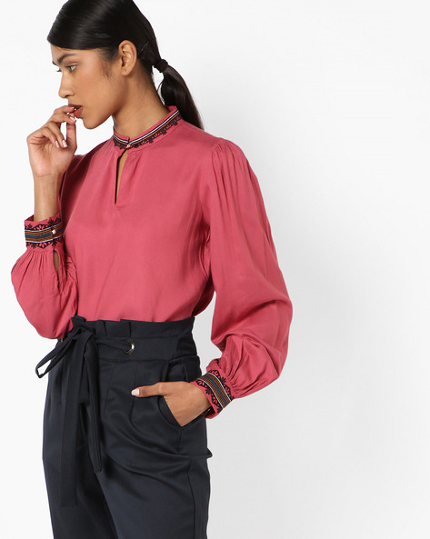 Keyhole Top With Floral Embroidery By AJIO ( Pink )