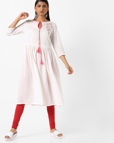 Flared Kurta With Placement Embroidery By AJIO ( Offwhite )