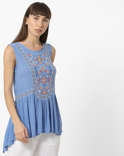 Embroidered High-Low Top With Gathers By DNMX ( Blue )
