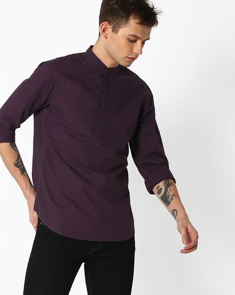 Slim Fit Poplin Shirt With Mandarin Collar By AJIO ( Purple )