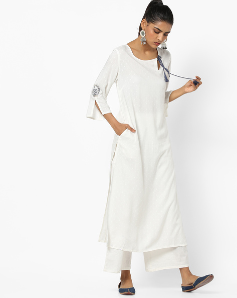 Dobby Straight Kurta With Tasseled Tie-Up By AJIO ( Offwhite )