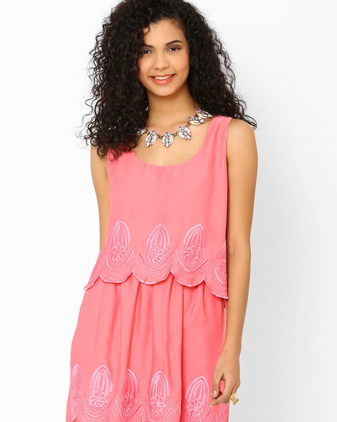 Embroidered Top With Scalloped Hemline By AJIO ( Pink )