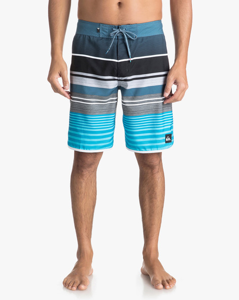 Colourblock Striped Shorts With Drawstring Waist By QUIKSILVER ( Bmm6 )