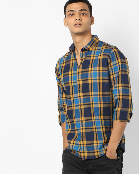 Slim Fit Checked Shirt With Button-Down Collar By AJIO ( Navy )