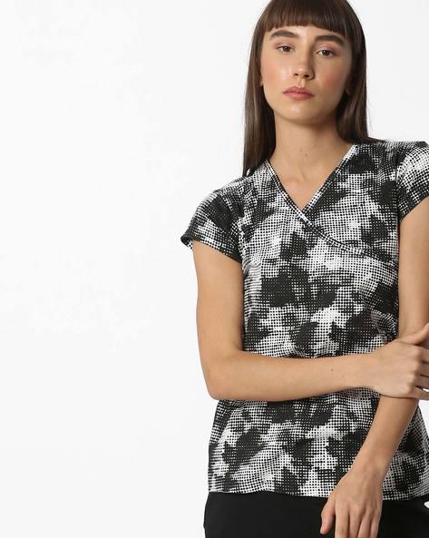 Graphic Print T-shirt With Surplice Neckline By AJIO ( Navy )