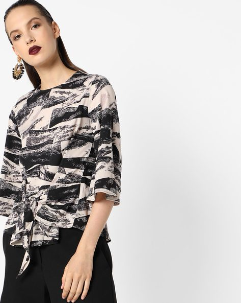 Printed Top With Flared Sleeves By Oxolloxo ( Black )