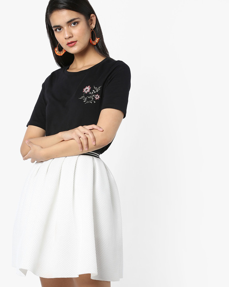 Cotton T-shirt With Placement Embroidery By Vero Moda ( Blackcharcoal )