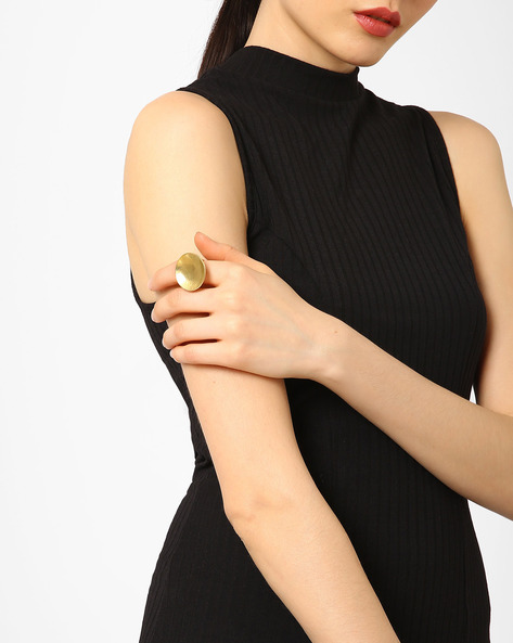 Textured Concave Statement Ring By AJIO ( Gold )