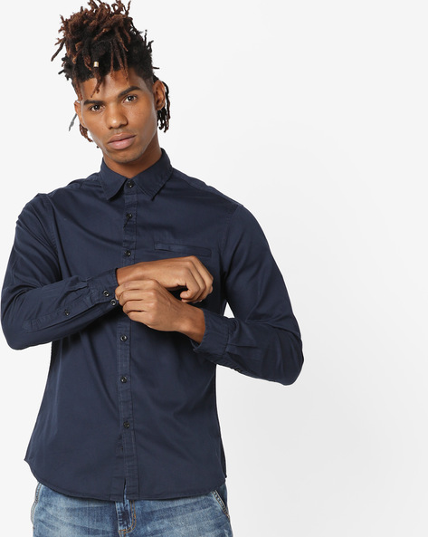 Slim Fit Shirt With Welt Pocket By AJIO ( Navy )