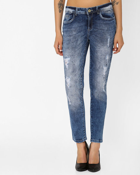 Heavily Washed Slim Fit Jeans By AJIO ( Lightblue )