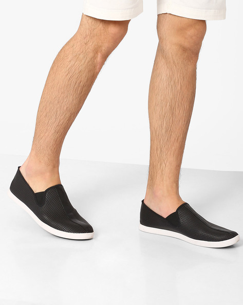 Perforated Slip-On Sneakers By Spunk ( Black )