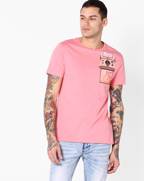 Slim Fit T-shirt With Printed Pocket By AJIO ( Pink )