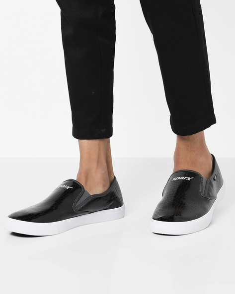 Textured Slip-On Casual Shoes By SPARX ( Blackwhite )