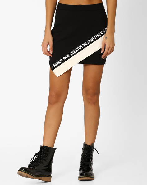 Mini Skirt With Overlaping Detail By AJIO ( Black )