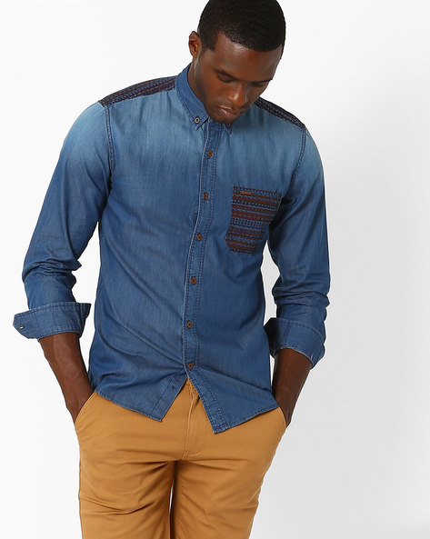 Lightly Washed Casual Shirt With Printed Pocket By WRANGLER ( Blue )