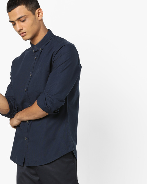 Button-Down Shirt With Patch Pocket By AJIO ( Maroon )