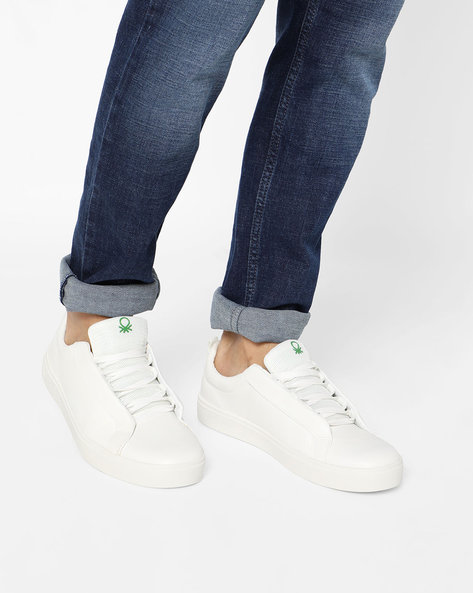 Low-Top Sneakers With Blind Eyelets By UNITED COLORS OF BENETTON ( White )
