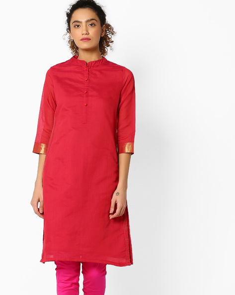Straight Kurta With Mandarin Collar By SIYAHI ( Magntafusha )