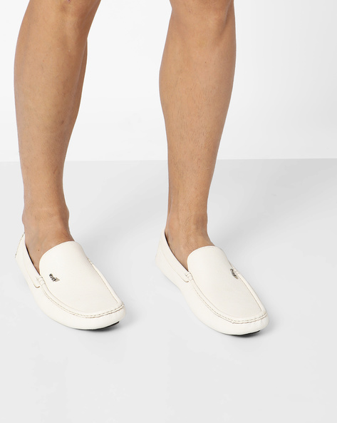 Textured Slip-On Casual Shoes By GNX ( White )