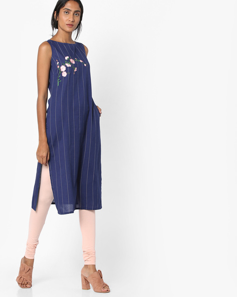 Striped Kurta With Floral Embroidery By AJIO ( Navy )