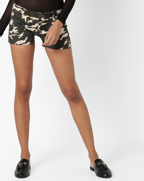 Camouflage Print Shorts With Pockets By Ginger By Lifestyle ( Olive )