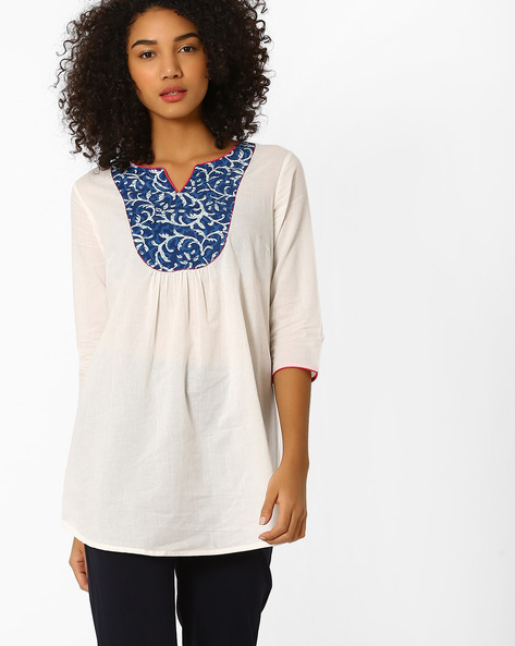 Tunic With Contrast Print Yoke By AJIO ( Offwhite )
