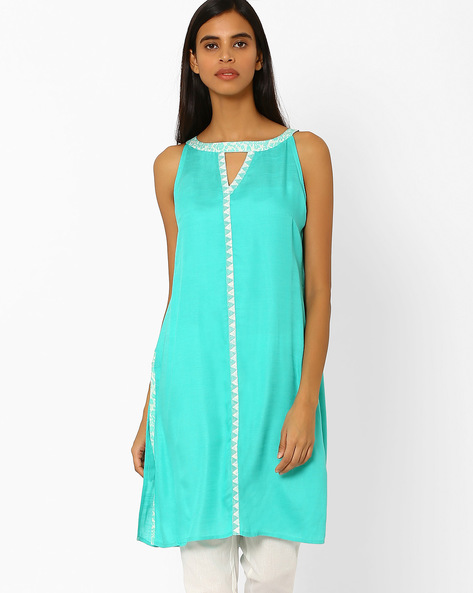 Cotton Kurta With Contrast Placket By AJIO ( Turquoise )