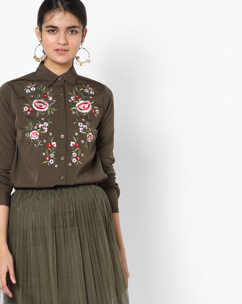 Embroidered Shirt With Spread Collar By Oxolloxo ( Khaki )