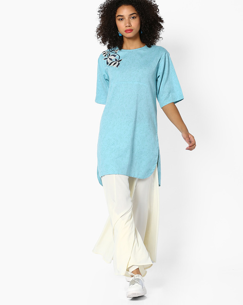 Floral Print Tunic With Embroidery By AJIO ( Teal )