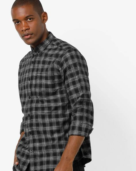 Checked Slim Shirt With Button-Down Collar By AJIO ( Black )