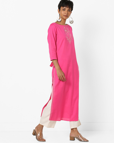 Embroidered Straight Kurta With Knotted Sleeves By AJIO ( Fuchsia )