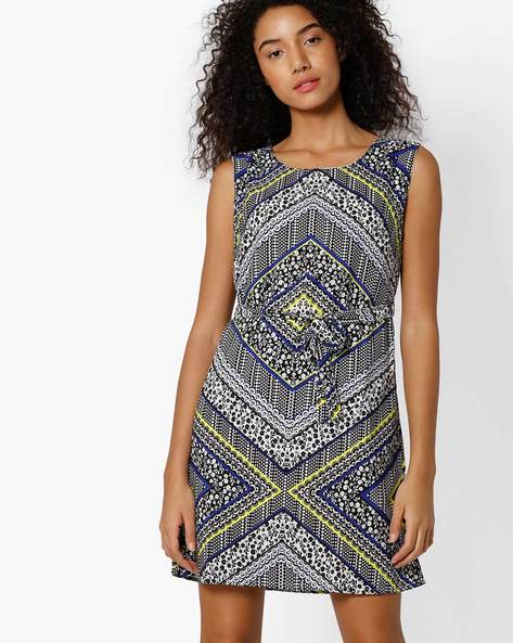 Printed Shift Dress With Belt By RIO ( White )