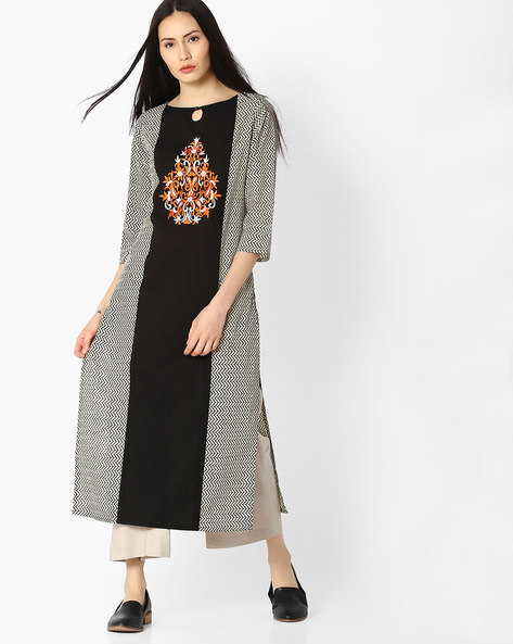 Chevron Print Panelled Kurta By Jaipur Kurti ( Cream )