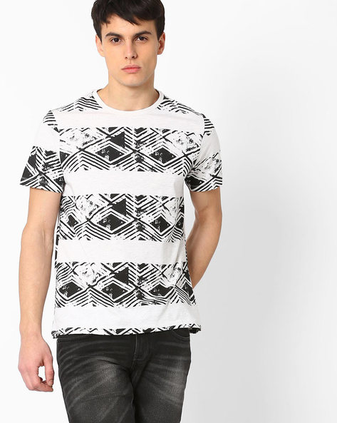 Graphic Print Slim T-shirt By AJIO ( Ecru )