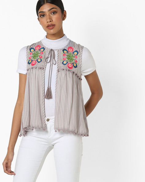 Floral Embroidered Shrug With Neck Tie-Up By AJIO ( Grey )