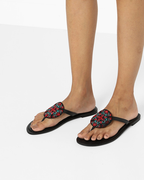 Genuine Leather Thong Sandals By AJIO ( Black )