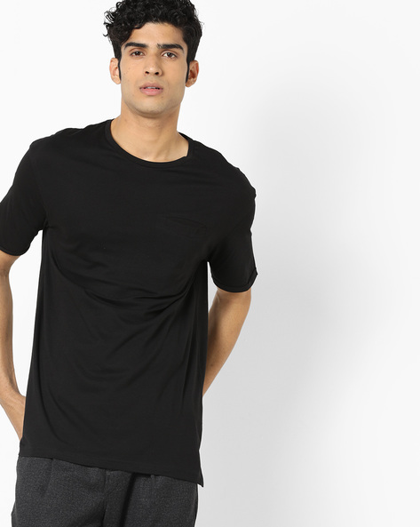 Crew-Neck T-shirt With Vented Hems By AJIO ( Black )