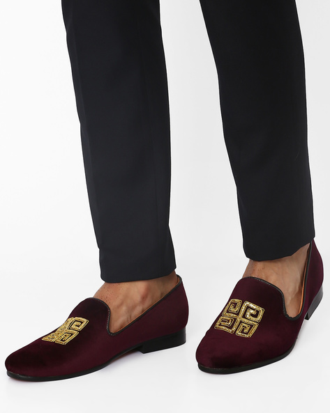 Slip-On Casual Shoes With Zardozi Design By Modello Domani ( Maroon )