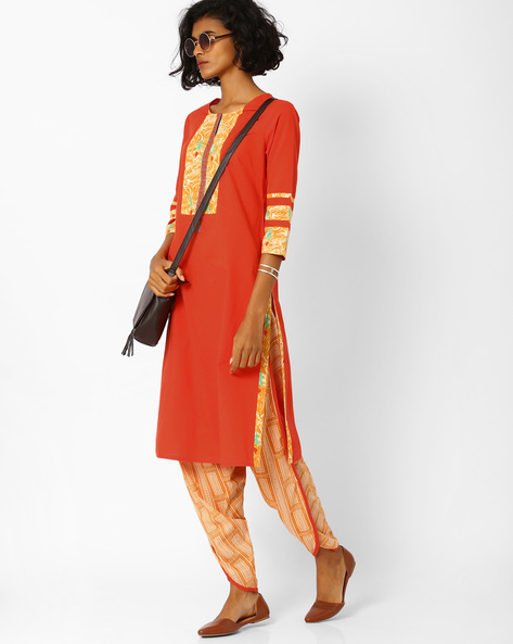 Straight Kurta With Printed Panels By AJIO ( Coral )