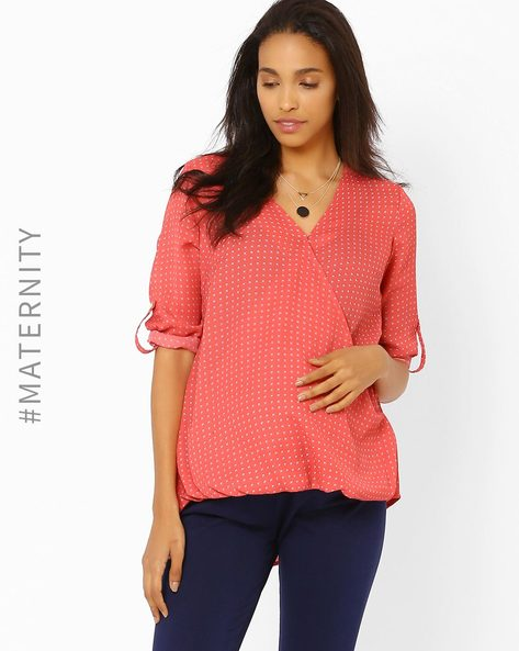 Printed Maternity Wrap Top By AJIO ( Coral )
