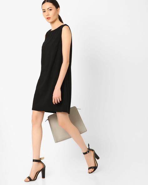 Sleeveless Shift Dress By AJIO ( Black )