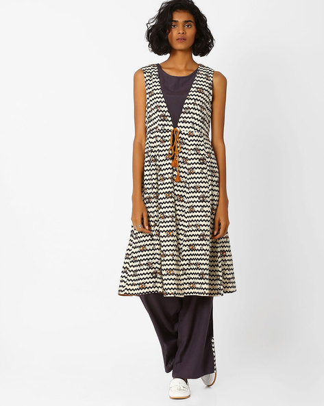 Chevron Print Flared Kurta By AJIO ( Black )