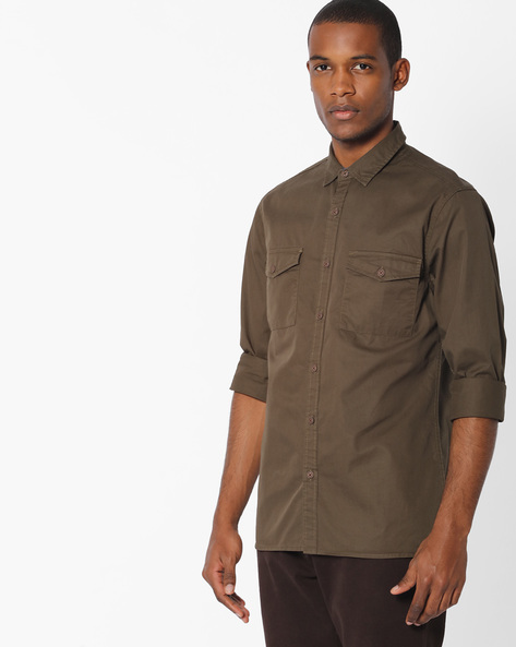 Slim Fit Shirt With Flap Pockets By AJIO ( Olive )