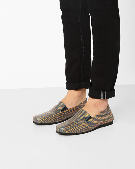Scratch Print Slip-On Shoes By Funk ( Grey )