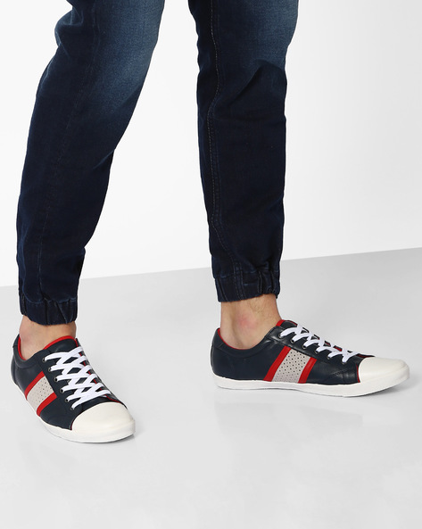 Panelled Sneakers With Contrast Toecap By AJIO ( Navy )